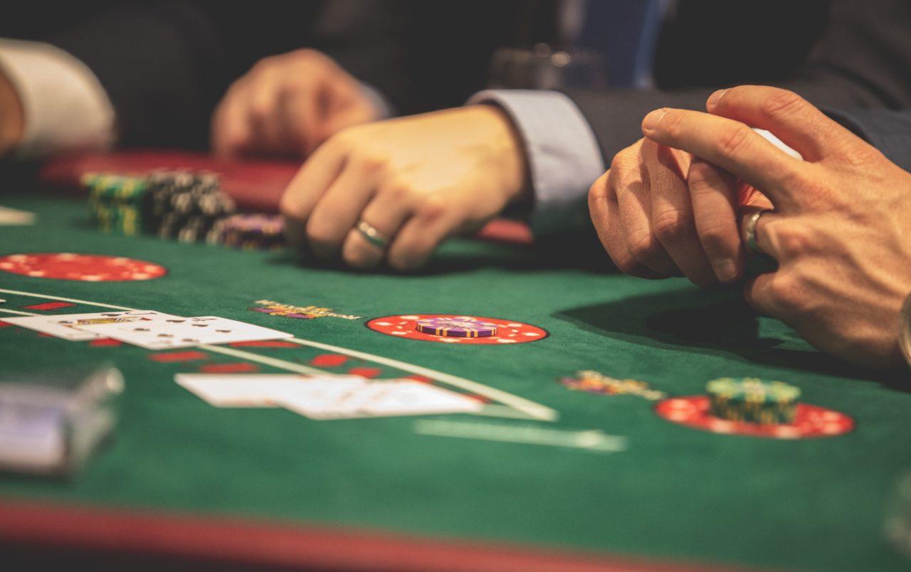https://sigunlimited.com/wp-content/uploads/2019/09/21-card-game-black-jack-blackjack-1871508-1-1-1280x804.jpg